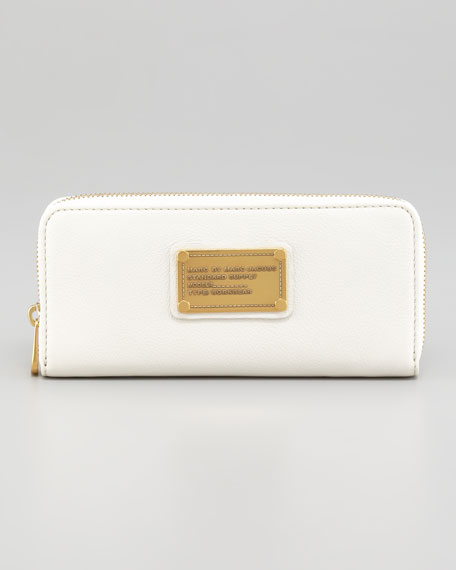 Classic Q Slim Continental Wallet