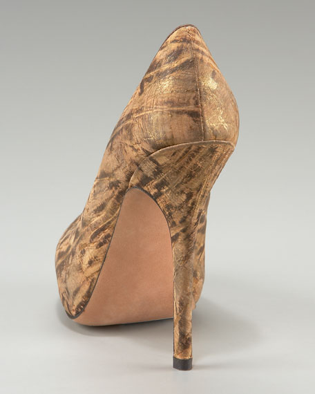 Wild Cork-Covered Platform Pump