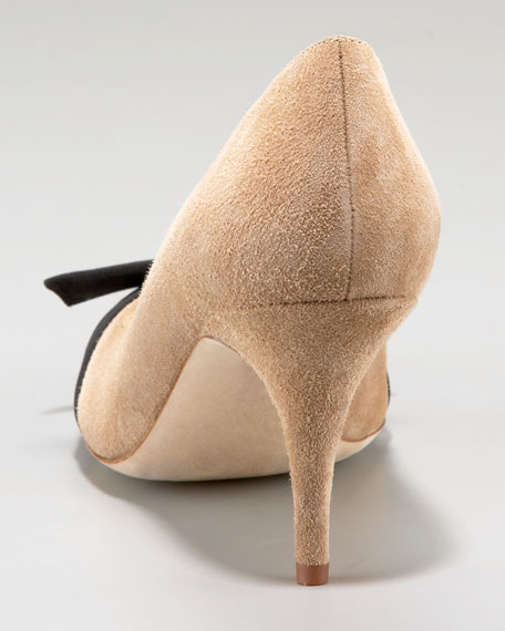thea bow suede pump