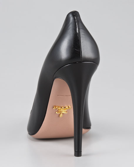 Capretto Leather Pointed-Toe Pump