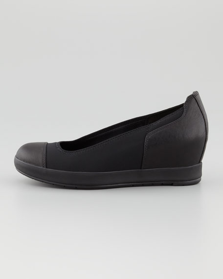 Mosey Round-Toe Low Wedge