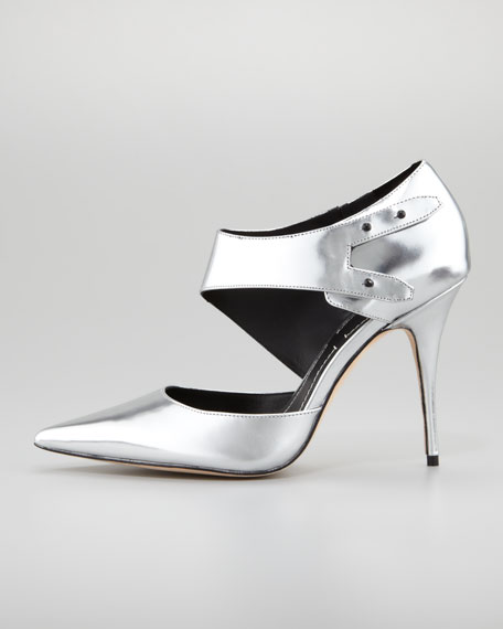 Metallic Cutout Pump