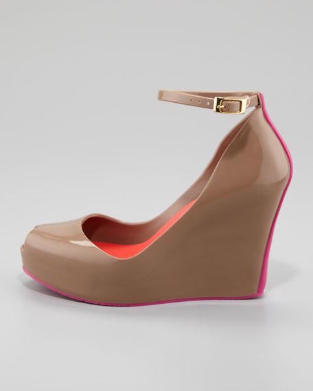 Patchouli V Wedge, Hazelnut/Pink