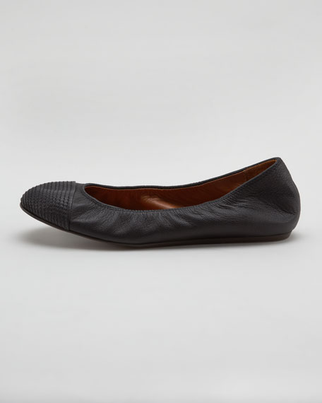 Scrunched Topstitched-Toe Ballerina Flat, Black