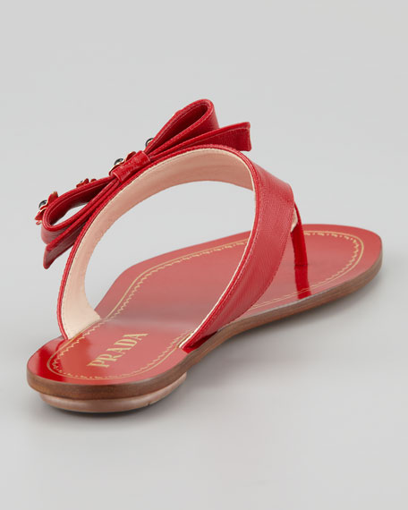 Vernice Saffiano Flower Bow Thong Sandal, Red