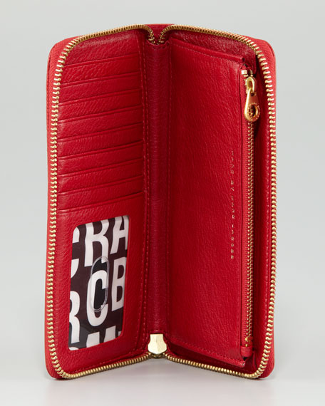 Classic Q Vertical Zippy Wallet