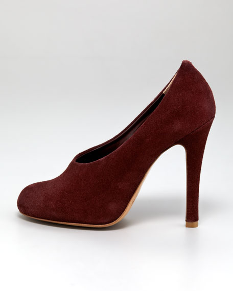 Choked-Up Suede Pump