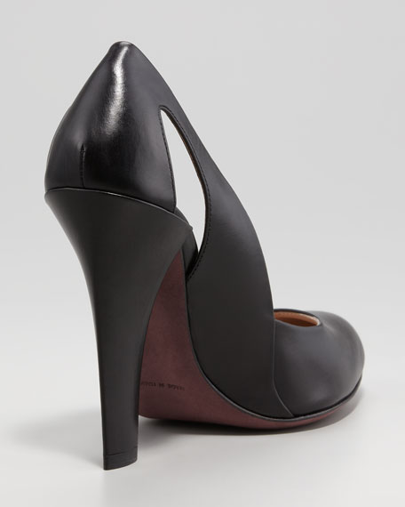 Cutout-Heel Leather Pump