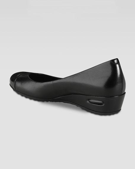 Air Bria Patent Cap-Toe Wedge