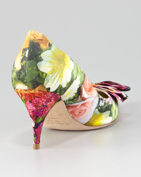 Carron Digital Floral-Print Satin Pump