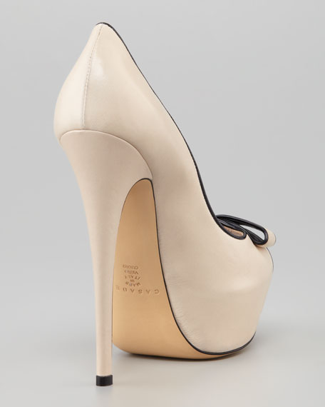 Open-Toe Bow Platform Pump