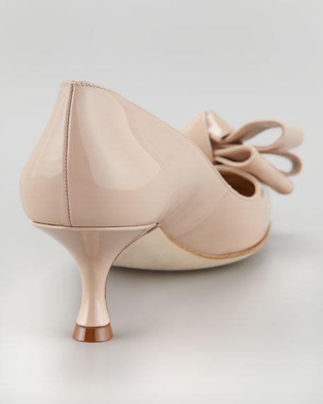 Manolo Blahnik Lisane Bow-Toe Pump, Nude