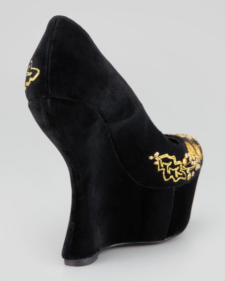 Embroidered Velvet Cut-In Wedge Pump, Black/Gold