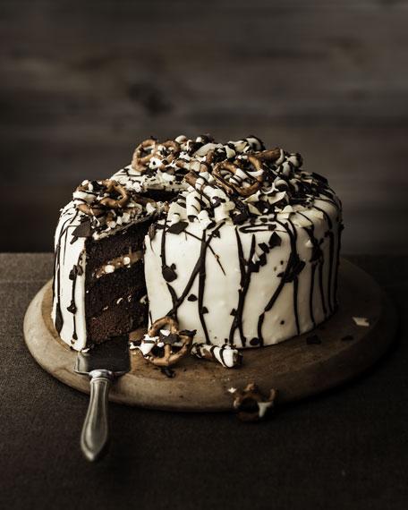 """Peek-A-Boo"" Pretzel Cake"