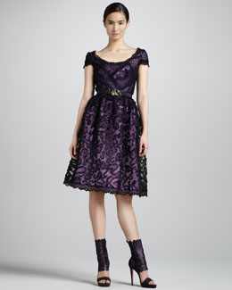 Oscar de la Renta Scoopneck Lace Cocktail Dress & Jeweled Faille Belt