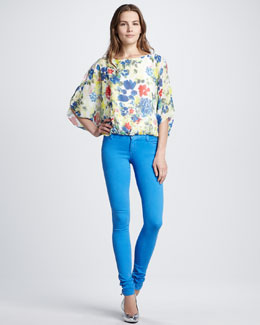 Alice + Olivia Velma Floral-Print Top & Five-Pocket Skinny Jeans
