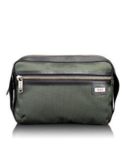 "Tumi ""Alpha Bravo"" Spruce Riley Kit"