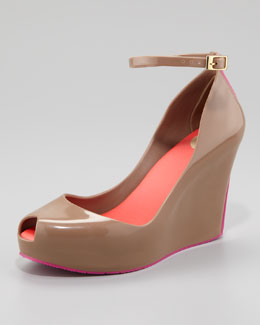 Melissa Shoes Patchouli V Wedge, Hazelnut/Pink