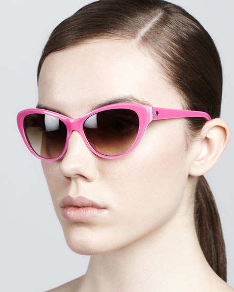 della cat-eye sunglasses, pop pink