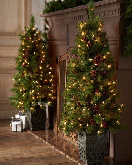 """Pine Cone"" Holiday Tree"