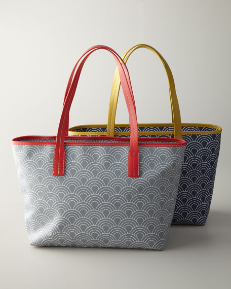 """""""Scales Duchess"""" Tote Bag"""