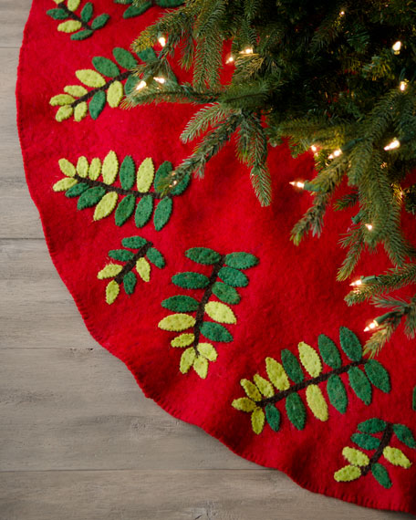 """Artisan"" Red & Green Christmas Tree Skirt"