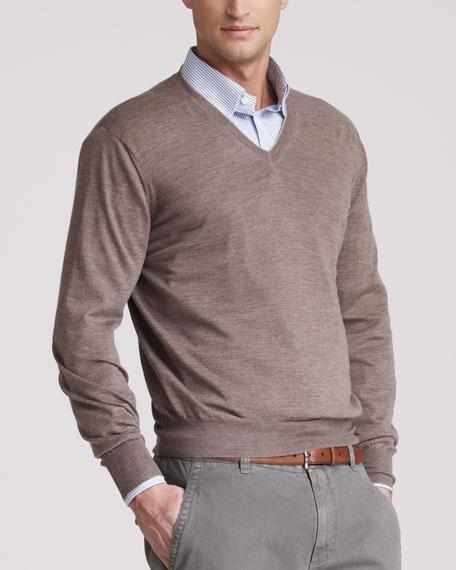 Fine-Gauge V-Neck Sweater, Lontra