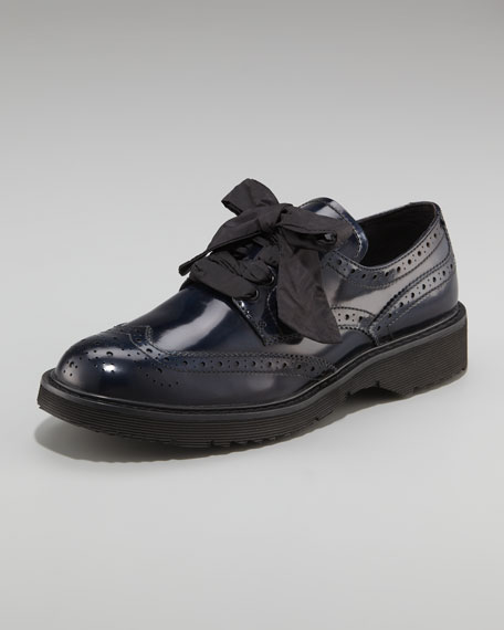 Lace-Up Wing-Tip Oxford, Navy