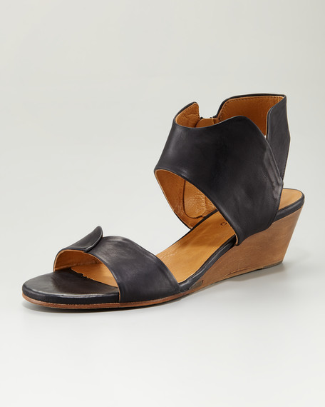 Kinu Wood Sandal, Black