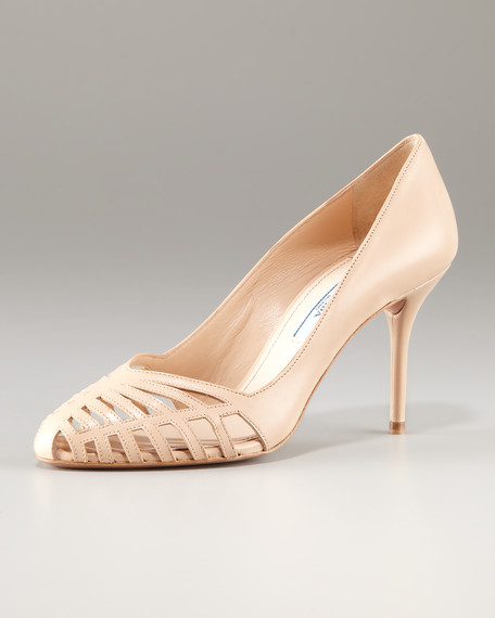 Cutout-Toe Leather Pump