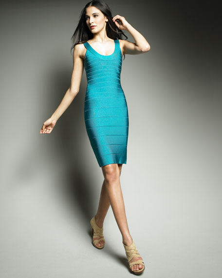Essential Scoop-Neck Bandage Dress