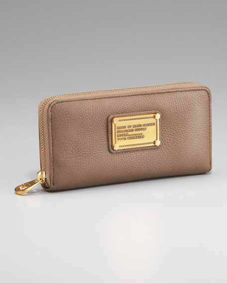 Classic Q Slim Zip Continental Wallet, Dirty Martini