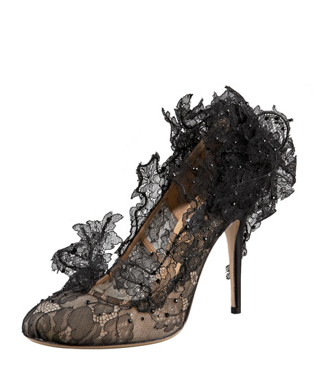Sculpture Lace Pump