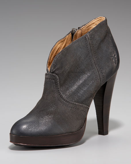 Harlow Distressed Boot