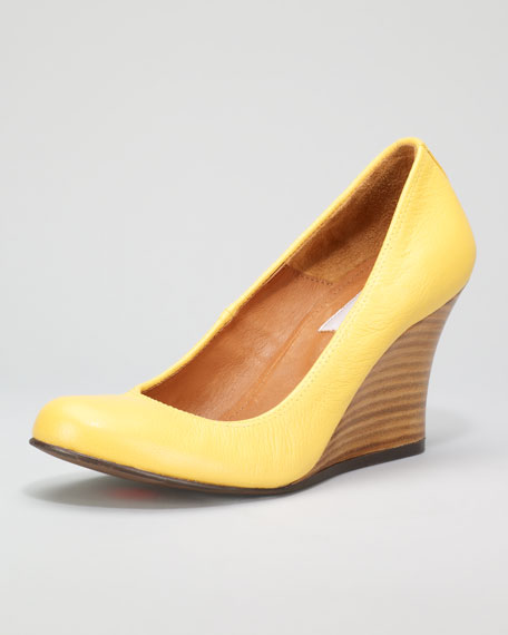 Kidskin Wedge Pump, Sunflower