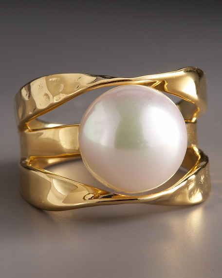 Mobius-Band Pearl Ring