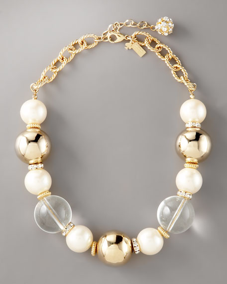 short simulated pearl necklace