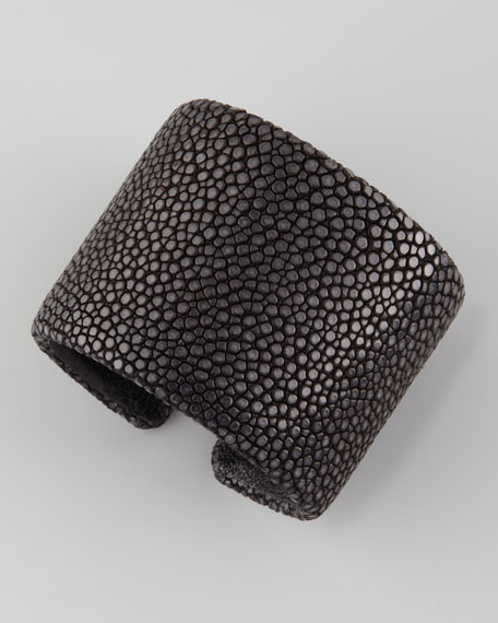 Stingray Cuff, Black