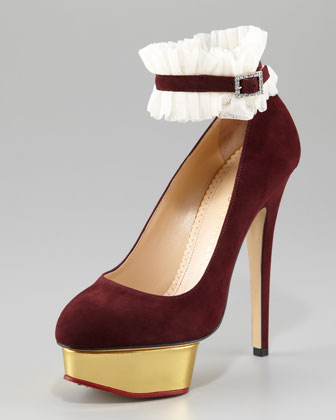 Dolly Island Suede Platform Pump