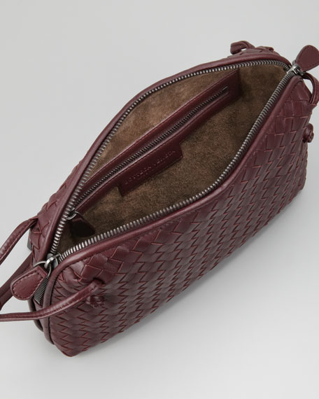 Veneta Messenger Bag