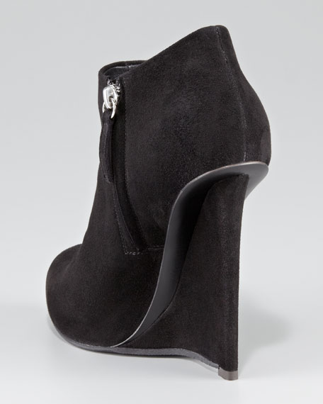 Fin-Wedge Ankle Bootie