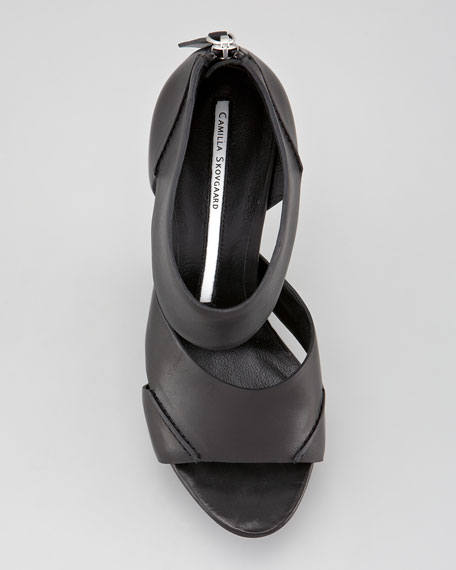 Exaggerated Platform No-Heel Saw-Sole Sandal