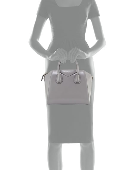 Image 3 of 3: Antigona Small Leather Bag