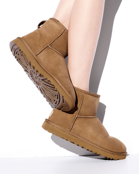 Image 2 of 6: UGG Classic Mini II Boot