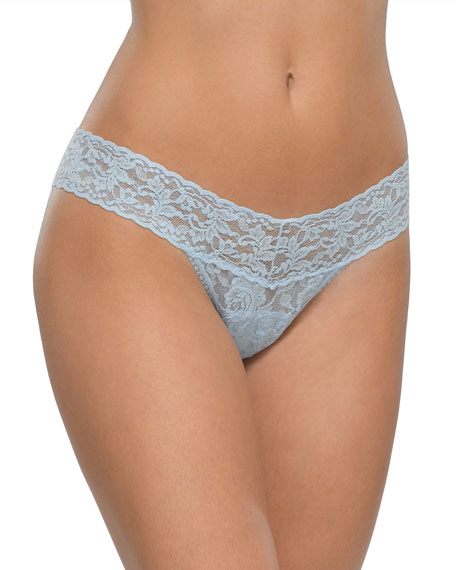 Signature Lace Low-Rise Thong