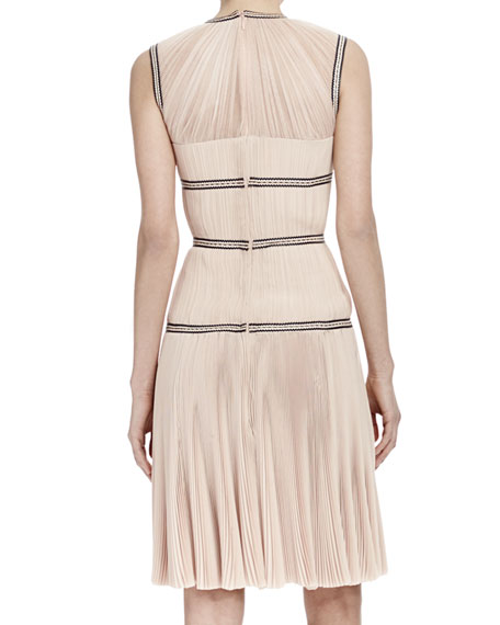 Sleeveless Contrast-Band Dress, Nude (Teint)