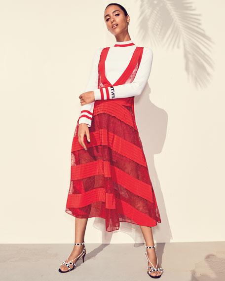 Sleeveless V-Neck Daisy-Lace Dress with Pleated Insets
