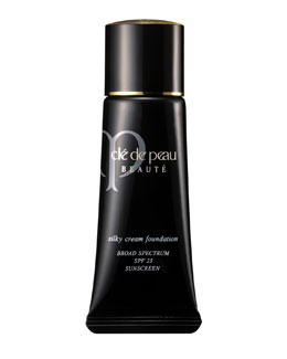 Cl? de Peau Beaut? Silky Cream Foundation SPF 23
