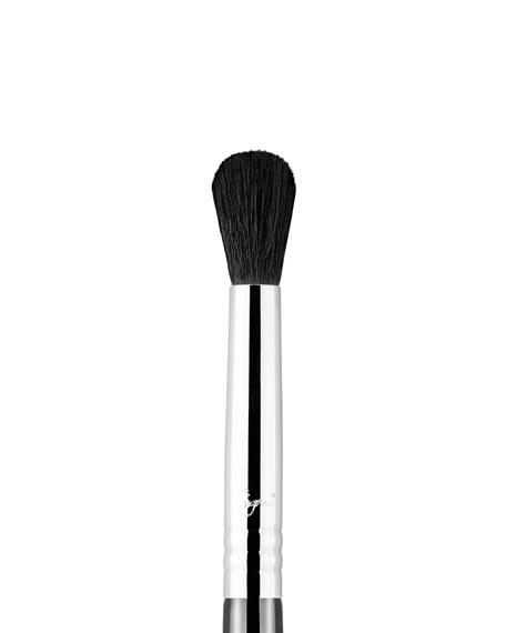 Sigma Beauty E38 – Diffused Crease™ Brush