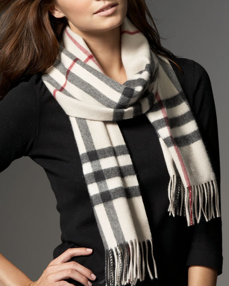 Giant Check Classic Scarf, Trench